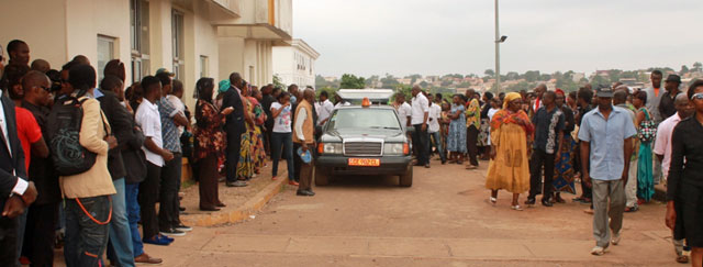 Crowd outside the chapel in Yaoundé, Cameroon, where  Eric Lembembe's funeral was held. (Photo courtesy of Camfaids)