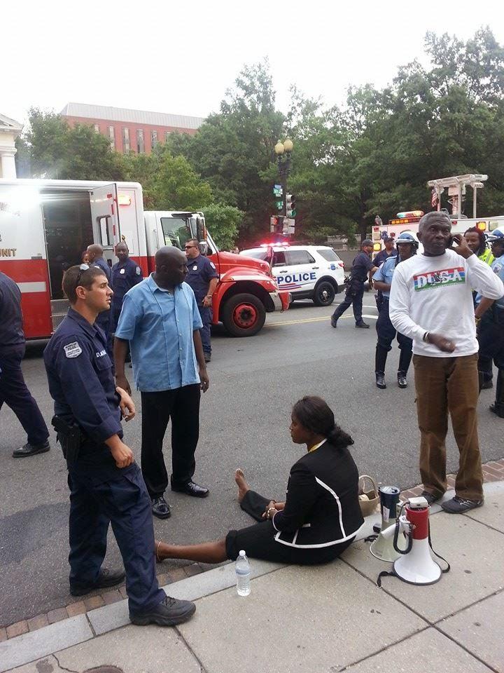"""Fatou Camara in crime scene"" -- caption on photo of August 2014 incident from Sidisanneh.blogspot.com)"