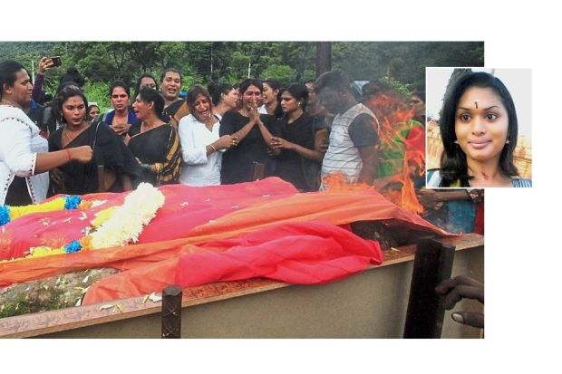 Family and friends of Sameera (inset) wailing as they cremate her body at Hindu crematorium in Malaysia. (Photos courtesy of The Star Online)