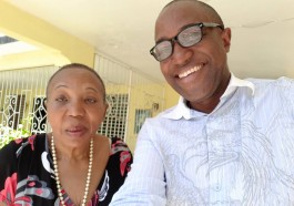 Carmen Tomlinson with her son, Maurice (Photo courtesy of Maurice Tomlinson)