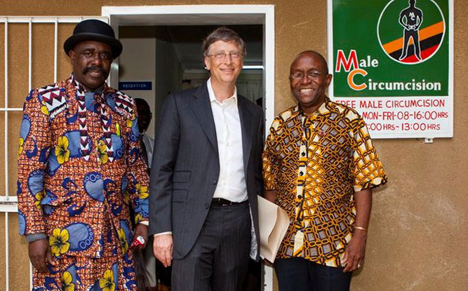 Chief Mumena (left) poses with billionaire philanthropist Bill Gates and Dr. Mannasseh Phiri as part of an anti-HIV campaign in Zambia. (Photo courtesy of the Gates Foundation)