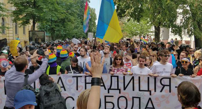 The Pride parade in Kyiv, Ukraine, included Western diplomats and gay A group of soldiers in uniform from the war with Russia-backed separatists in the east also marched at the event. Viktor Pylypenko, who led the column of troops and veterans, said there were gay soldiers from the front lines in the war against Russia-backed separatist rebels in eastern Ukraine. (Photo courtesy of DW)